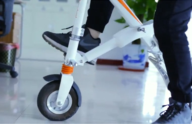 Airwheel E6 X shaped folding electric bike
